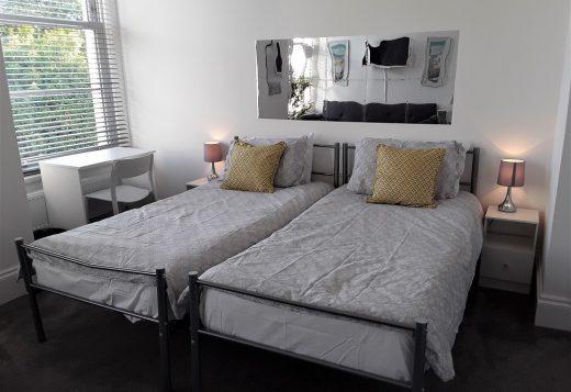 myrivierareatreat.co.uk self catering Torquay Bedroom 11 2